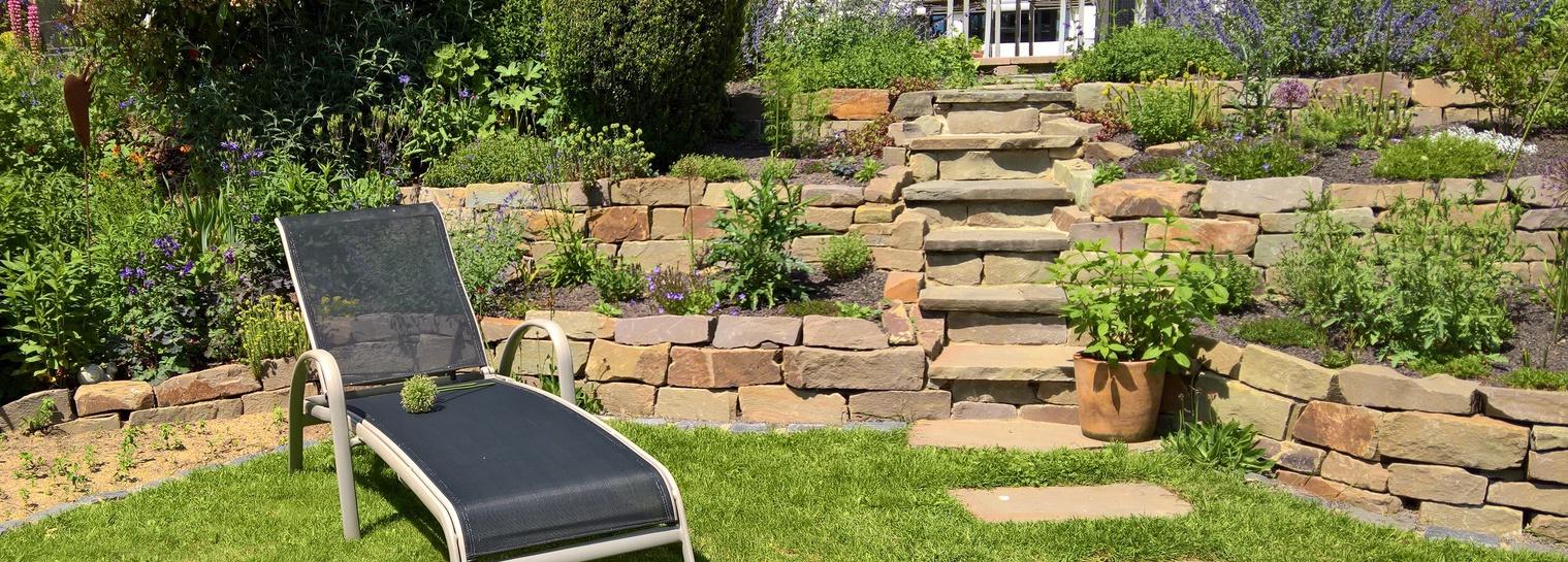Gartengestaltung mit Trockenmauer in Neunkirchen Seelscheid